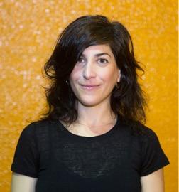 שירה נתן - שחקנית, יוצרת ומורה למשחק | תיאטרון פלייגו